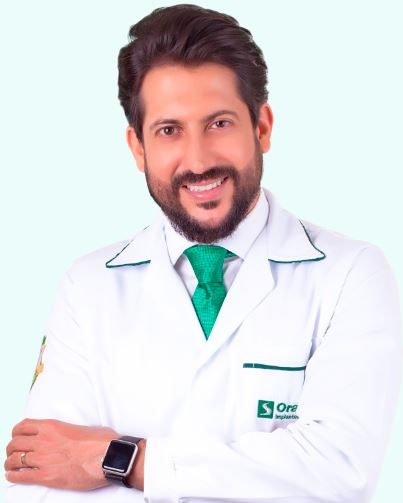 Diretor clínico da Oral Sin Implantes de Florianópolis, Dr. Luigi Franchesco G. Cornicelli – Foto: Divulgação/Oral Sin.