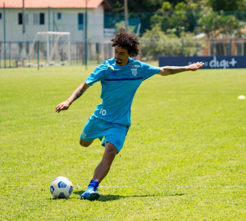 Sem acordo financeiro, permanência de Valdívia no clube é difícil – Foto: André Palma Ribeiro/Avaí FC