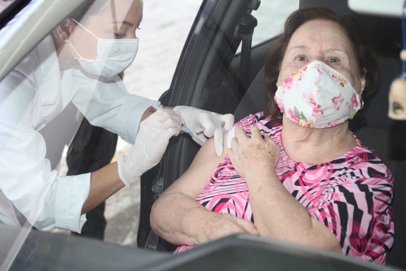 Itajaí vacina idosos de 80 a 84 anos contra a Covid-19 neste sábado – Foto: Secom Itajaí