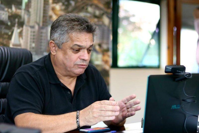 Prefeito João Rodrigues viajou a Brasília neste domingo (2) para cumprir agenda com ministro Onyx Lorenzoni – Foto: Leandro Schmidt/Prefeitura Chapecó/Divulgação/ND