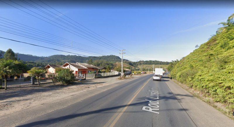 Mulher flagrou homem pelado na garagem de casa em Laurentino (foto), no Vale do Itajaí – Foto: Reprodução/Google Maps