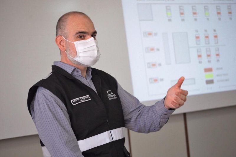 O coordenador da equipe médica, Michel Cadenas, apresentou os resultados alcançados com o Centro de Atendimento. – Foto: Leandro Schmidt/Prefeitura de Chapecó/ND