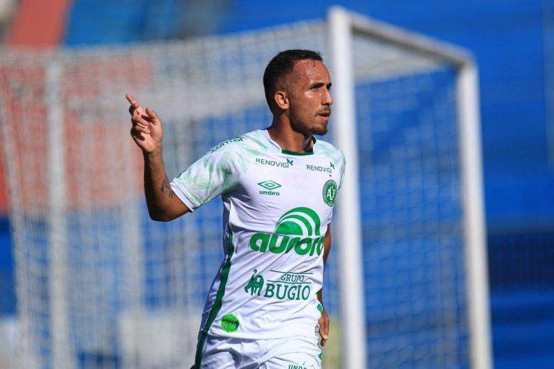 Lima comemora o primeiro gol do Verdão – Foto: Márcio Cunha/ACF