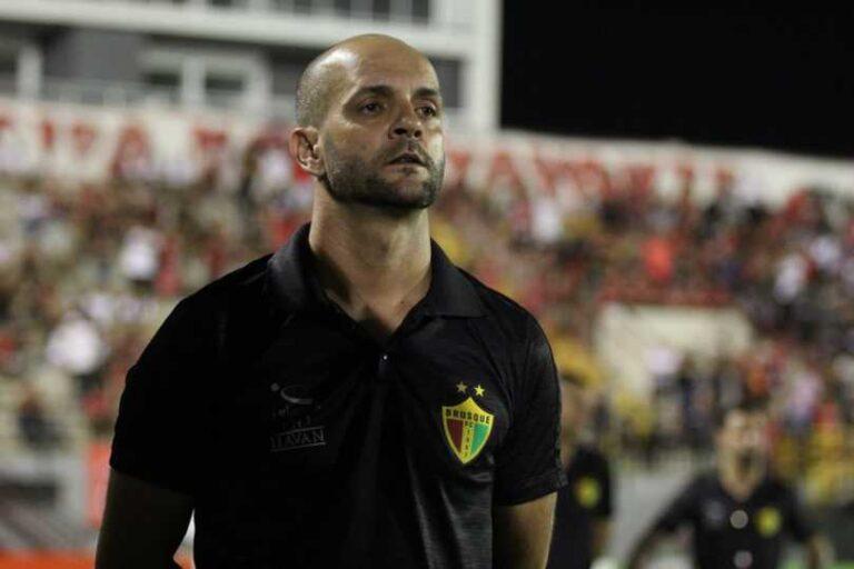 Jerson Testoni, do Brusque. O técnico mais longevo das séries A e B. – Foto: Lucas Gabriel Cardoso/Brusque/ND