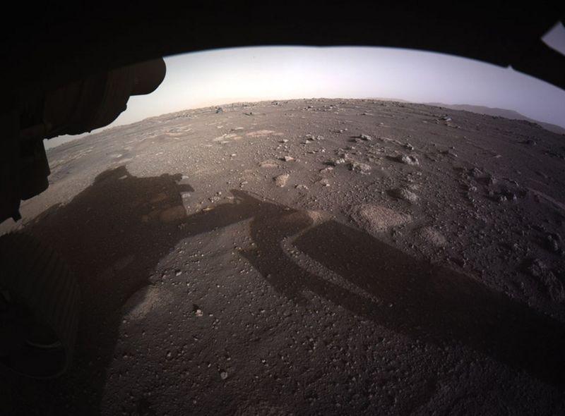 Além de avançar nos conhecimentos sobre a geologia de Marte, o Perseverance procura sinais de vida antiga no planeta vizinho– Foto: Nasa/Divulgação