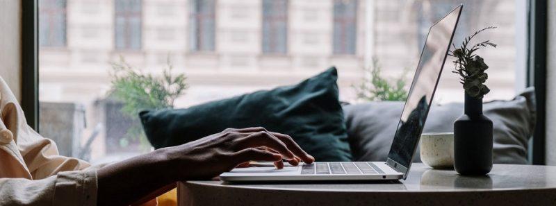 OnlyOffice: alternativa gratuita ao Office cria documentos, planilhas e apresentações - cottonbro no Pexels