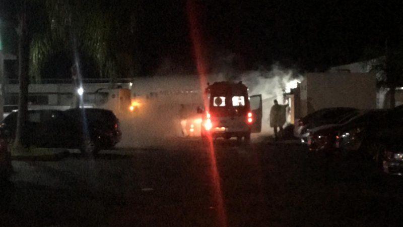 Na noite de sexta-feira (19), cilindros de oxigênio foram repostos e pacientes transferidos – Foto: Ricardo Alves/NDTV