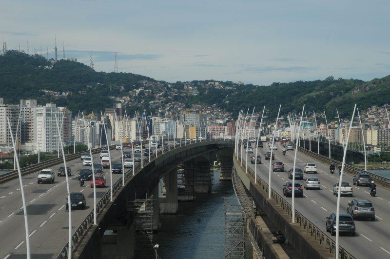 Pontes Colombo Salles e Pedro Ivo podem ter o tráfego alterado durante a visita de Bolsonaro – Foto: Leo Munhoz/ND