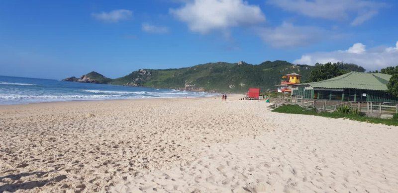 Praias de SC correm risco de ficar lotadas com restrições e feriados em outras capitais