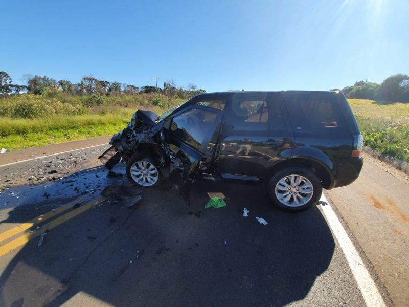 A colisão frontal ocorreu por volta das 15h40 no km 514 da BR-282, em Xanxerê, no Oeste de Santa Catarina. – Foto: PRF/Divulgação/ND