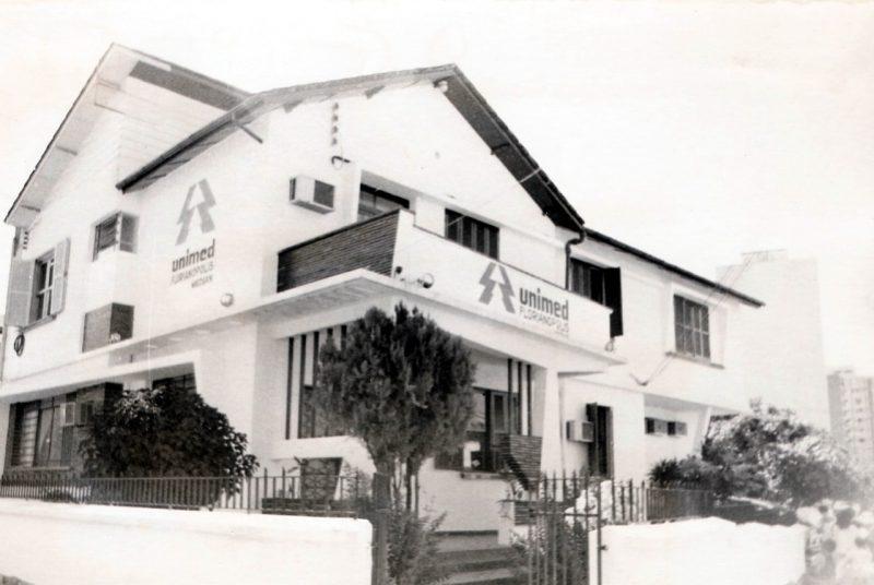 Primeira sede da Unimed Grande Florianópolis, que surgiu em 1971, na região, para oferecer uma alternativa de assistência médica para a população – Acervo Unimed/Divulgação/ND