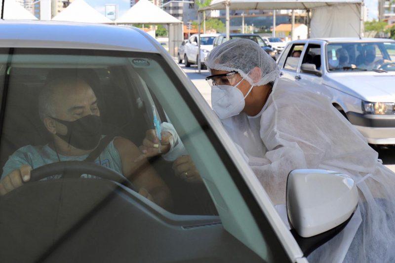 A administração municipal reforça que é indispensável o uso de máscaras, não apenas no momento da vacinação, como em qualquer ambiente fora da residência – Foto: Cristiano Andujar/PMF/Divulgação/ND