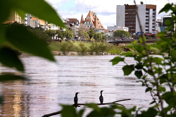 Blumenau, maior cidade do Médio Vale, sofre os reflexos da piora na classificação do risco de contágio pela Covid-19 – Foto: Marcelo Martins_PMB