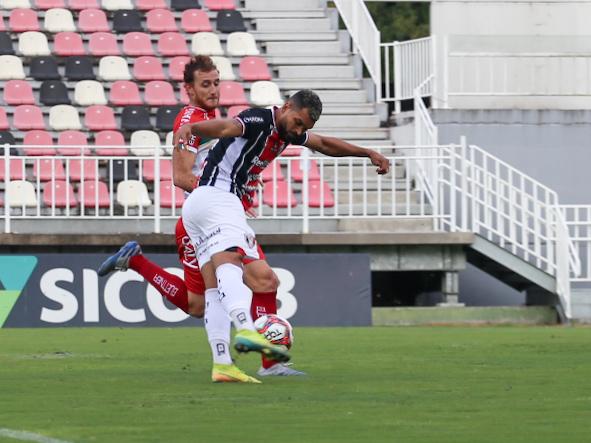 Thiago Santos abriu o placar logo aos três minutos de bola rolando – Foto: Vitor Forcellini/JEC