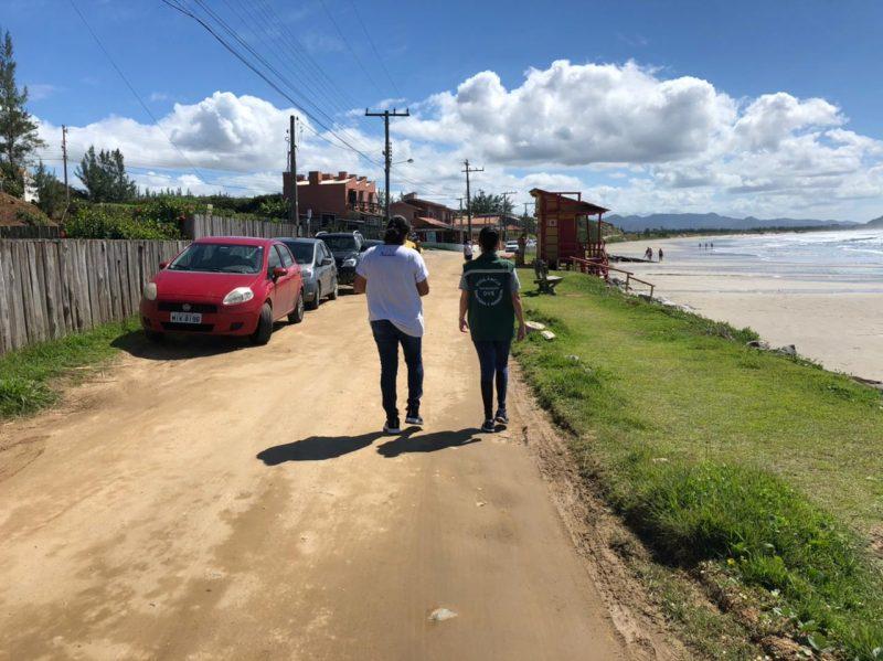 Município de Imbituba sob efeito da fiscalização. Pelo ar, o helicóptero do SAER/Polícia Civil sobrevoou Imbituba. – Foto: Prefeitura de Imbituba/divulgação