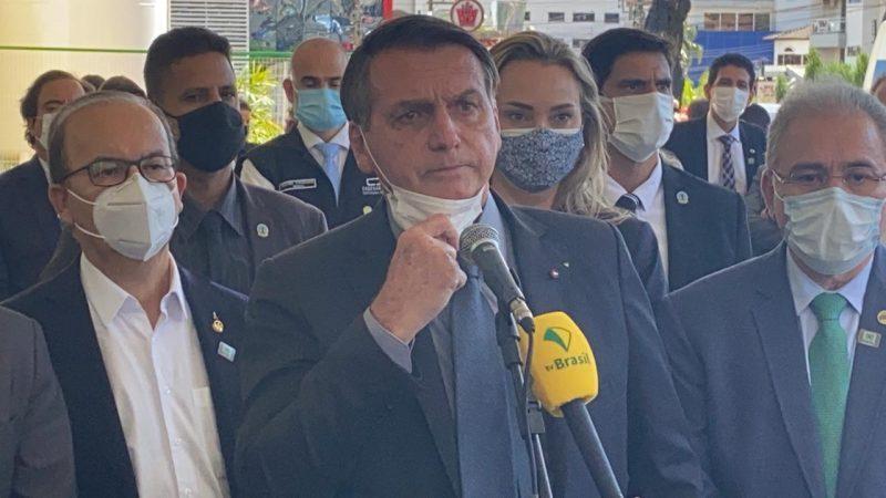 Bolsonaro é aguardado no lado de fora do Centro de Eventos, para falar com a imprensa. – Foto: William Ricardo/ND