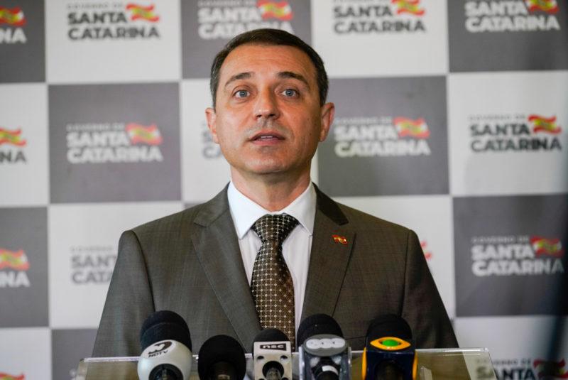 Governador Carlos Moisés durante coletiva de imprensa em outubro de 2020 – Foto: Ricardo Wolffenbüttel/Secom/Divulgação/ND