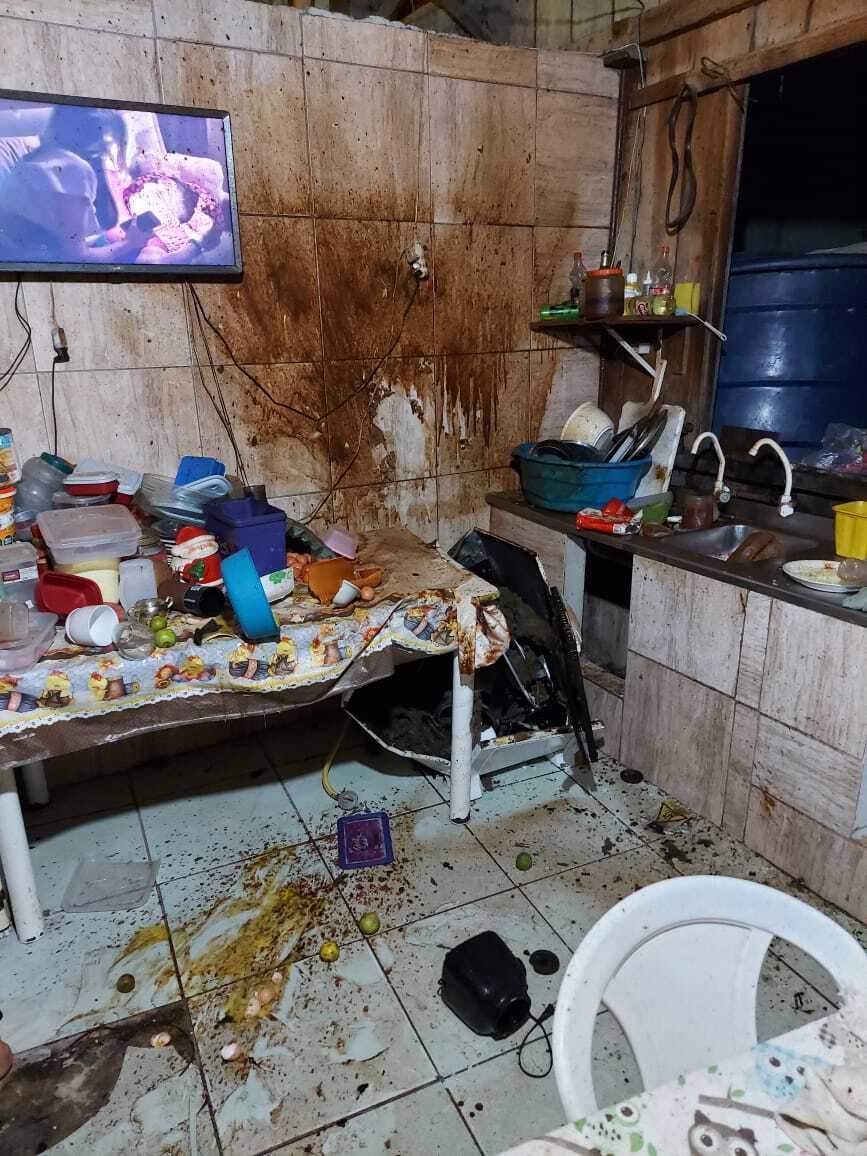 Panela de pressão explodiu após vítima sentir cheiro de queimado - Corpo de Bombeiros Navegantes/Divulgação