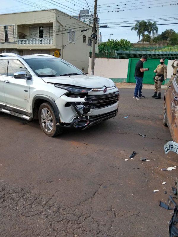 O acidente ocorreu entre as ruas Marechal Bormann e Machado de Assis, por volta das 08h30. – Foto: Corpo de Bombeiros Militar/ND