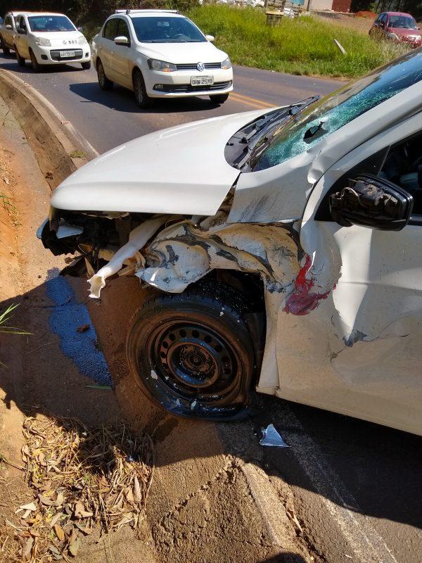 Já no Gol, conforme os bombeiros, estava apenas o motorista que não ficou ferido. – Foto: Bombeiros/ND