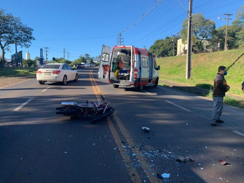 Acidente deixou duas pessoas feridas nesta sexta-feira (30). – Foto: Polícia Militar/Divulgação/ND