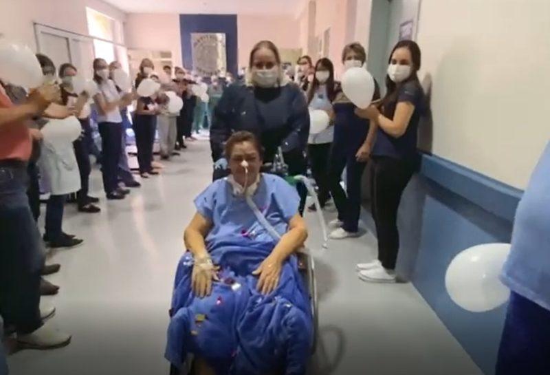 Adoralice ganhou alta da UTI com direito à homenagem dos colegas de hospital – Foto: Reprodução/Bethesda