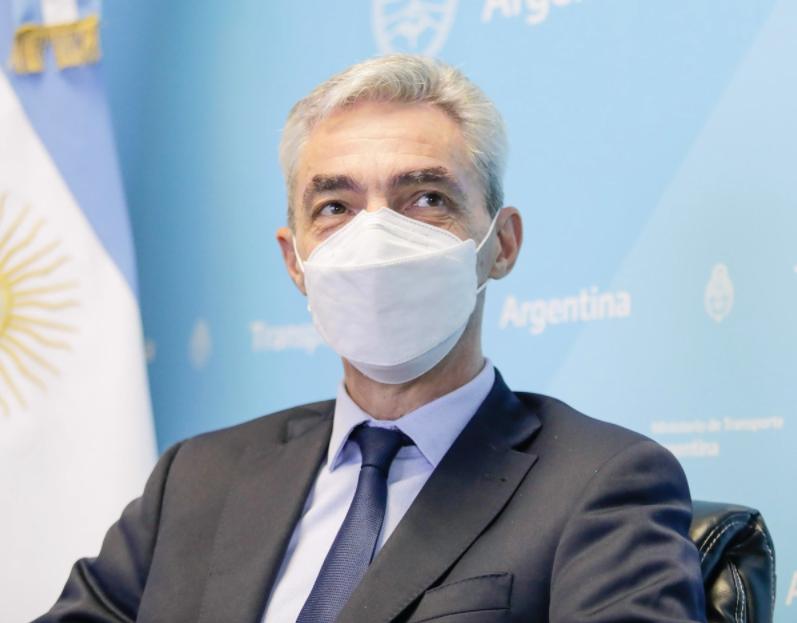 ministro; meoni; argentina; acidente; carro; vídeo