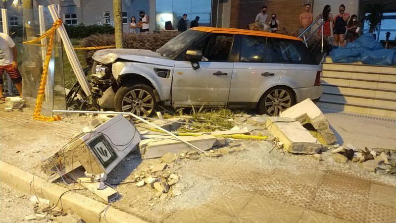 Acidente na rua das Gaivotas, nos Ingleses, que deixou uma adolescente gravemente ferida – Foto: Corpo de Bombeiros Militar/divulgação/ND