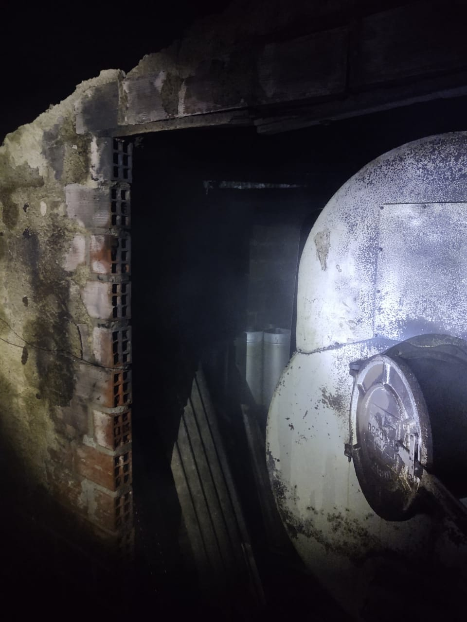Fornalha do aviário pegou fogo durante a madrugada - Corpo de Bombeiros/Divulgação