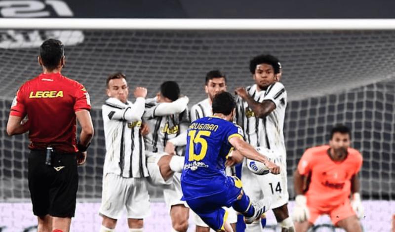 Torcida da Juventus ficou na bronca com Cristiano Ronaldo – Foto: Reprodução