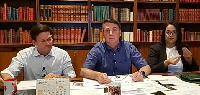 Presidente Bolsonaro falou sobre tomar a vacina contra a Covid-19 na live desta quinta (1º) – Foto: Reprodução/ Facebook Jair Bolsonaro