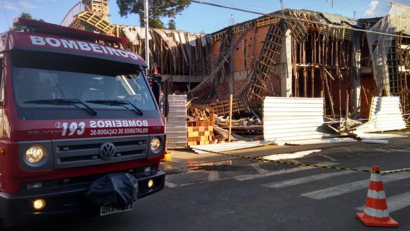 Feridos foram encaminhados ao hospital – Foto: Bombeiros Voluntários Caçador/Divulgação/ND