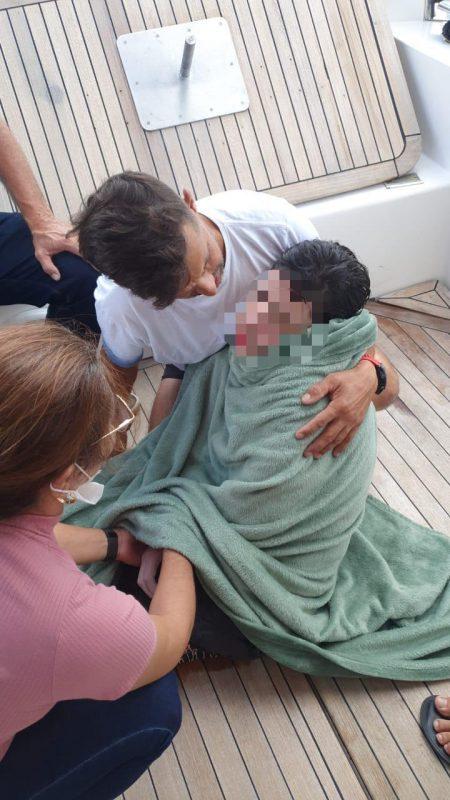 Tiago foi encontrado por pescador no mar de Meia Praia, Litoral Norte de SC – Foto: Corpo de Bombeiros/Divulgação