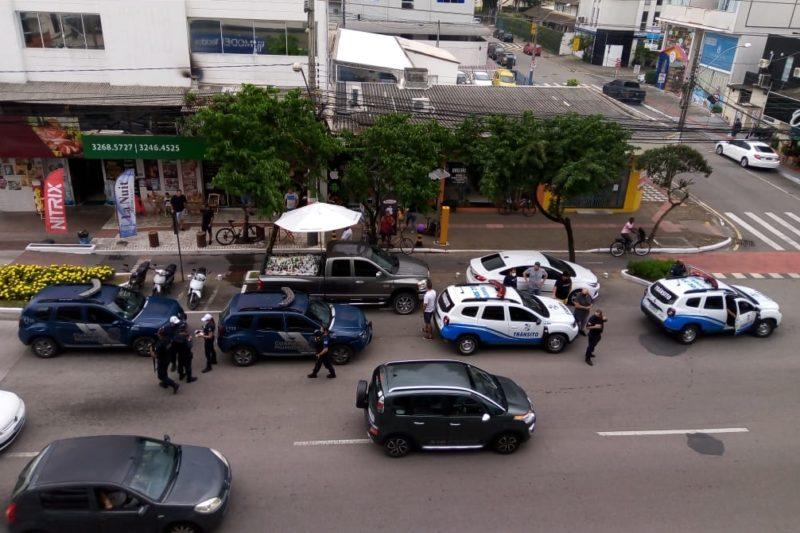 Caminhonete carregada com cerveja mobiliza Guarda Municipal de Balneário Camboriú – Foto: Divulgação/Redes Sociais