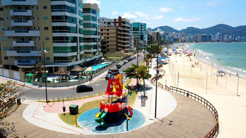 Calçadão do Centro é o local ideal para prática esportiva a beira-mar – Foto: Prefeitura de Itapema/Divulgação