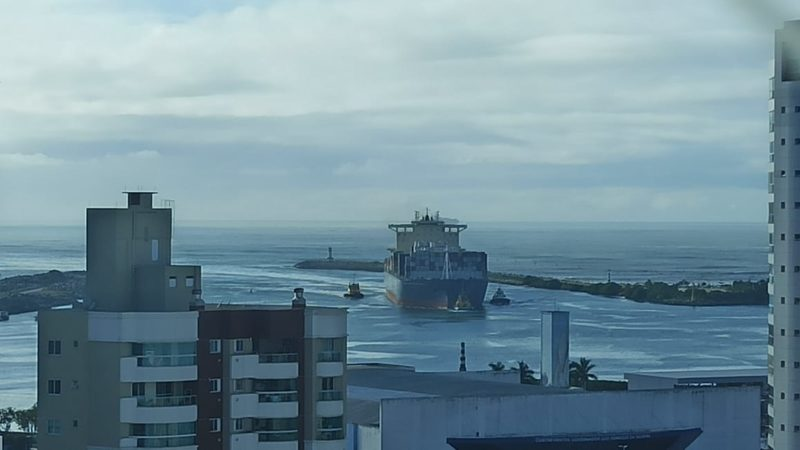 Canal de acesso aos Portos de Itajaí e Navegantes foram liberados na manhã deste sábado – Foto: Divulgação/ND