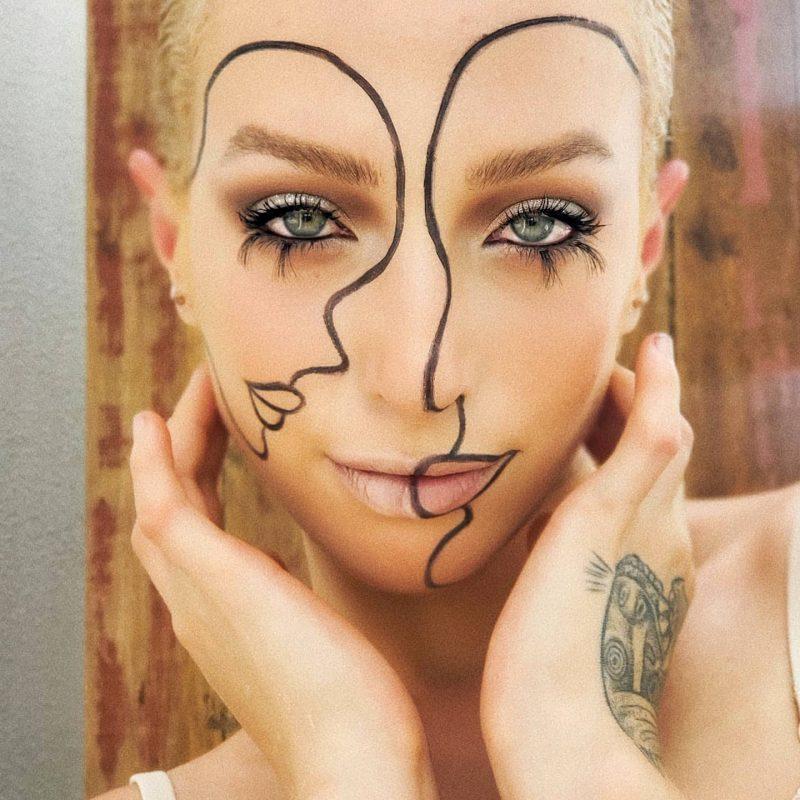 Carol, que se auto maquiou para demonstrar a maquiagem como forma de pintura. – Reprodução/ Acervo Carol Barraganha/ ND