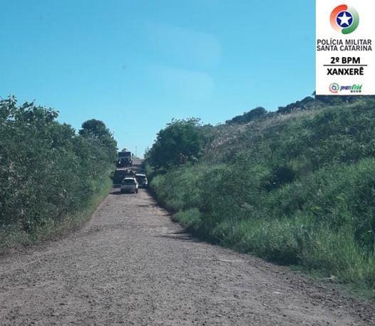 Perseguição iniciou no Centro da cidade e parou em uma estrada de chão em área urbana - PM Xanxerê/Divulgação