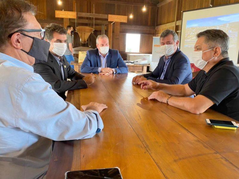 Prefeitos de Chapecó, João Rodrigues e de São José , Orvino Coelho visitaram o prefeito de Criciúma, Clésio Salvaro – Foto: Ana de Mattia/Divulgação