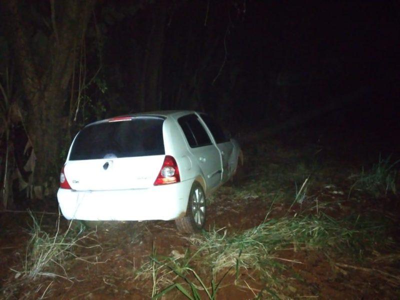 Trio de criminosos estava a bordo de Clio branco no momento do crime – Foto: Divulgação/Polícia Civil