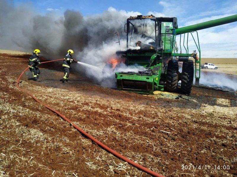 Corpo de Bombeiros Militar fez o controle das chamas. – Foto: Corpo de Bombeiros/Divulgação/ND