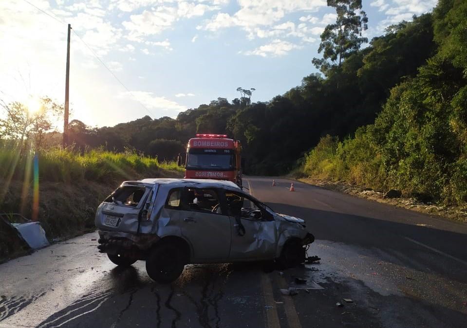 O carro capotou sozinho. - Corpo de Bombeiros/Divulgação/ND