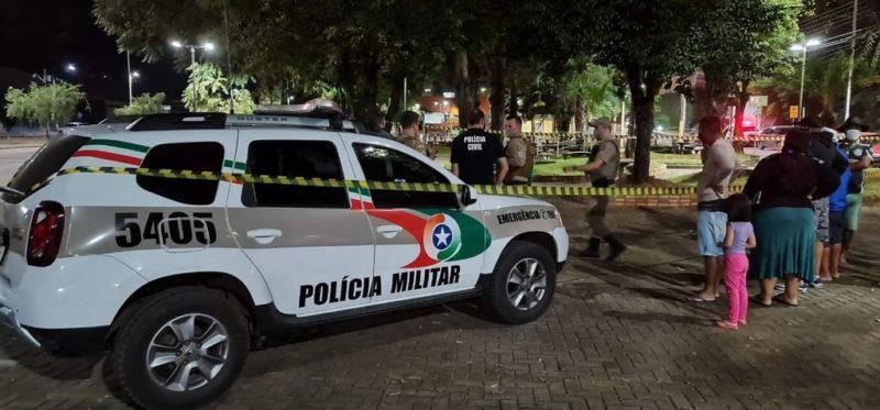 Homem é morto a facadas no Centro de Herval d'Oeste – Foto: Portal Éder Luiz/Divulgação/ND