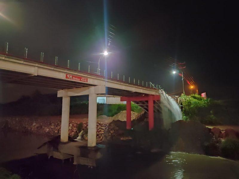 Cabeceira da Ponte Santos Dumont cedeu na noite desta quarta-feira (21) – Foto: Divulgação/ND