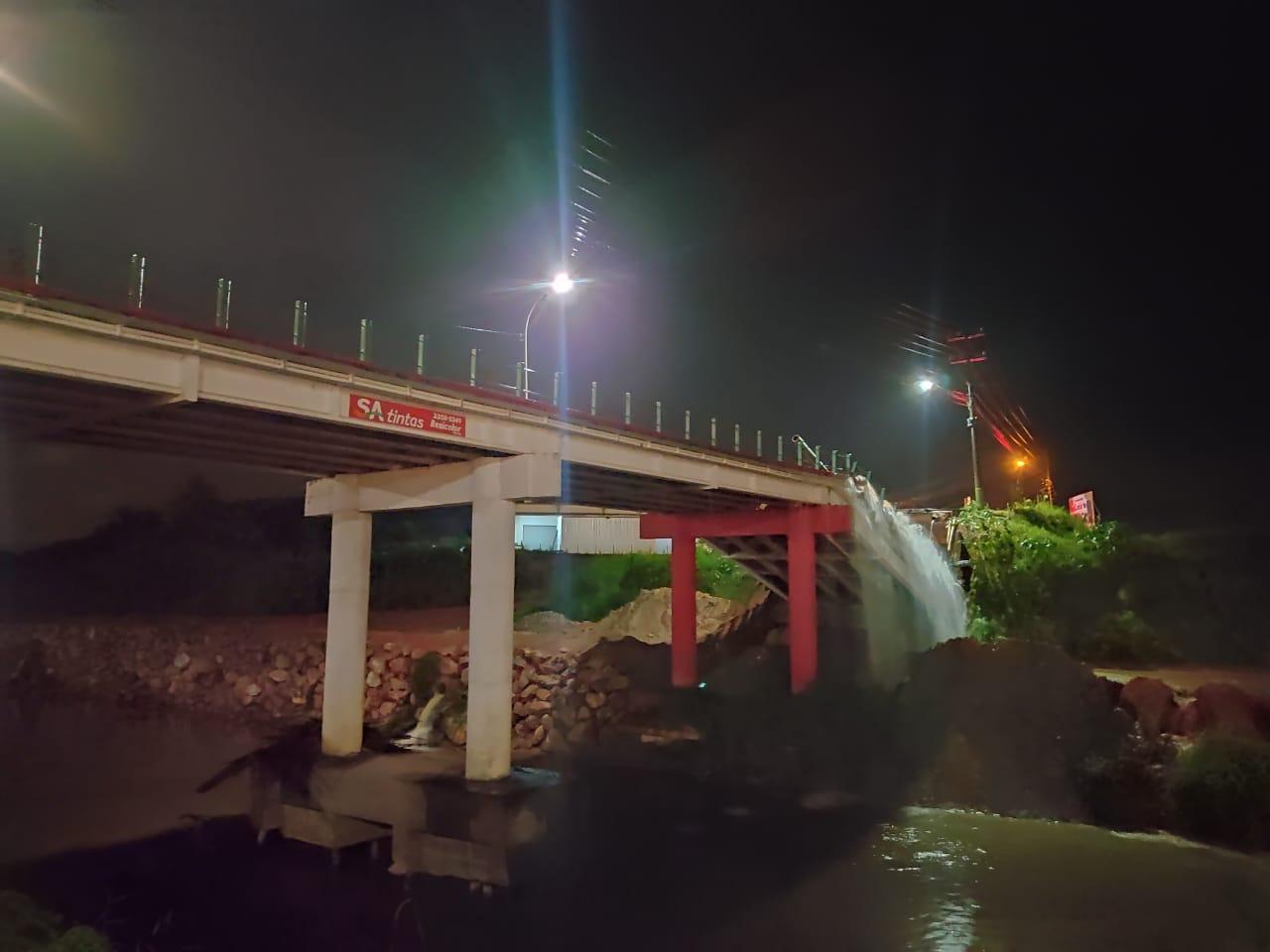 Cabeceira da Ponte Santos Dumont cedeu na noite desta quarta-feira (21) - Divulgação/ND