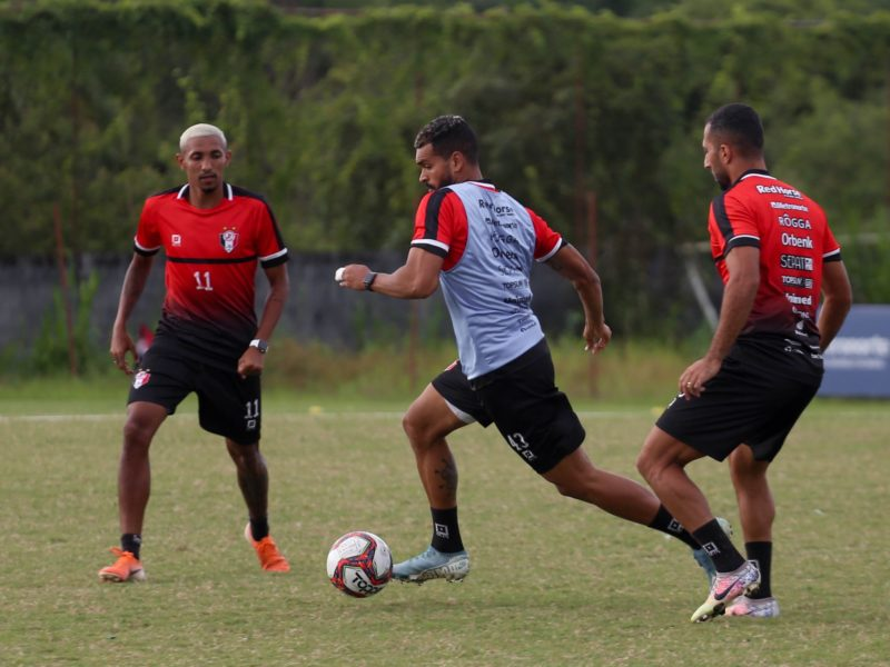 Davi Lopes volta à equipe para o jogo decisivo desta quinta-feira (15) – Foto: Vitor Forcellini/JEC