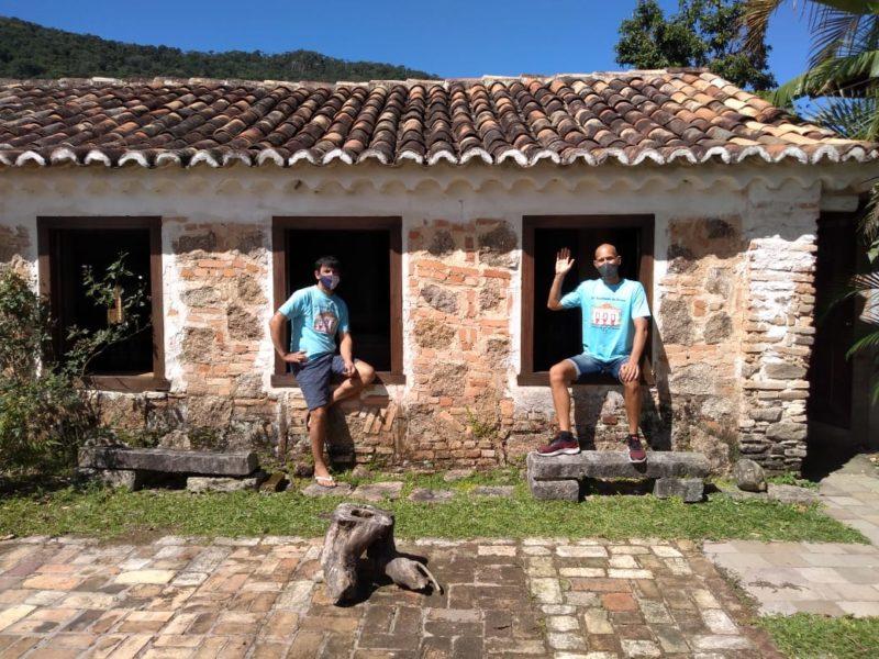 Claudio Andrade (à esq.) e Rodrigo Stüpp, organizadores da Farinhada do Bem – Foto: Divulgaçao/ND