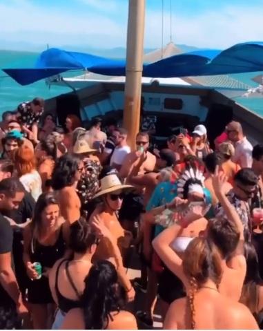 Balada em alto-mar registra aglomeração no Litoral de Santa Catarina – Foto: Instagram/Reprodução/ND