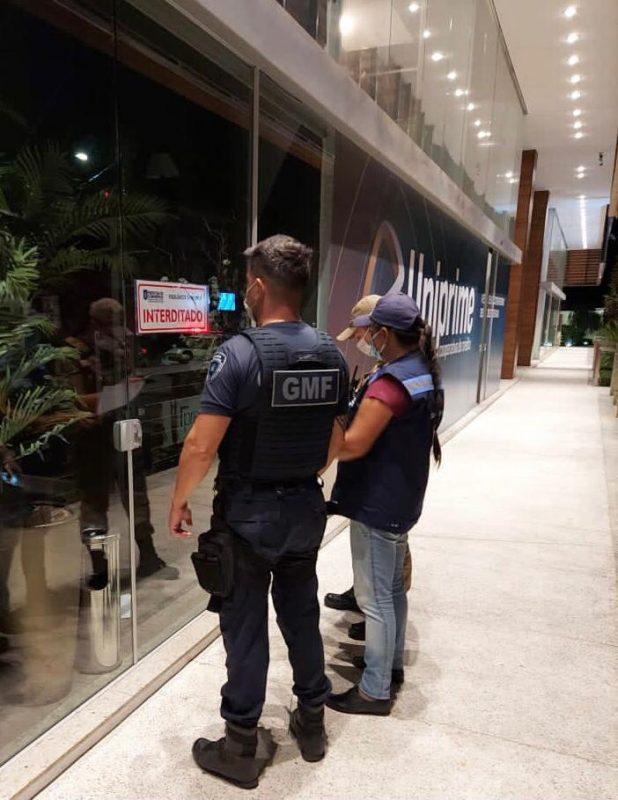 Fiscalização interditou quatro estabelecimentos no sábado (3), entre eles dois beach clubs – Foto: Prefeitura de Florianópolis/Divulgação