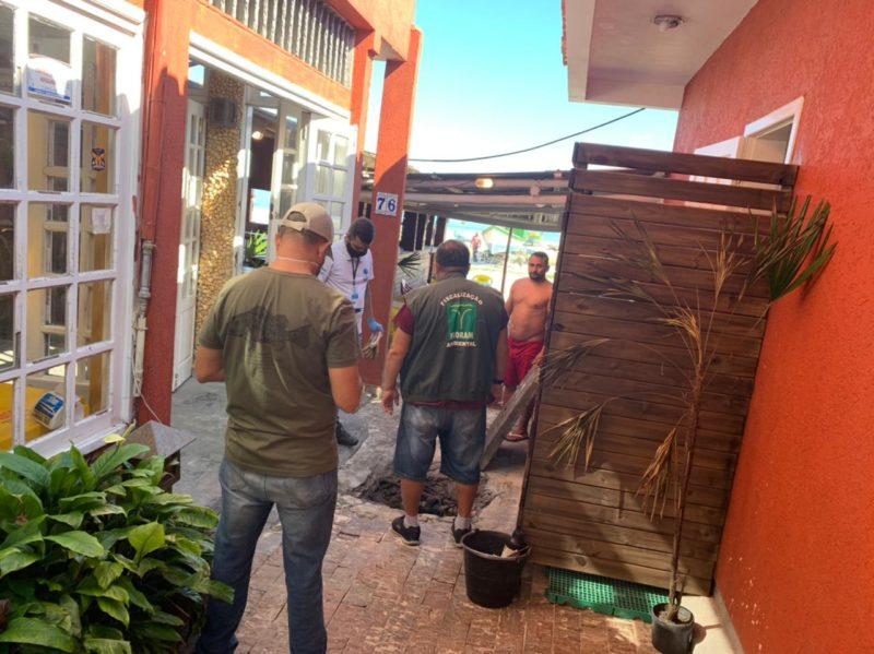 Força-tarefa da prefeitura multa imóveis irregulares por crime ambiental – Foto: Djone Joench/Floripa Se Liga Na Rede